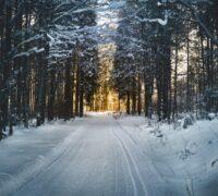 ¿Cuál es el método más eficaz para derretir la nieve de las carreteras?